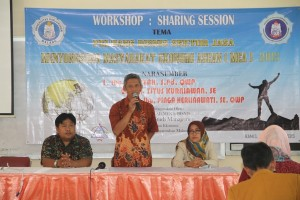 6. Sharing Sesion Peluang Bisnis Sektor Jasa yang diadakan FEB dengan beberapa perusahaan sektor jasa di Jawa Timur